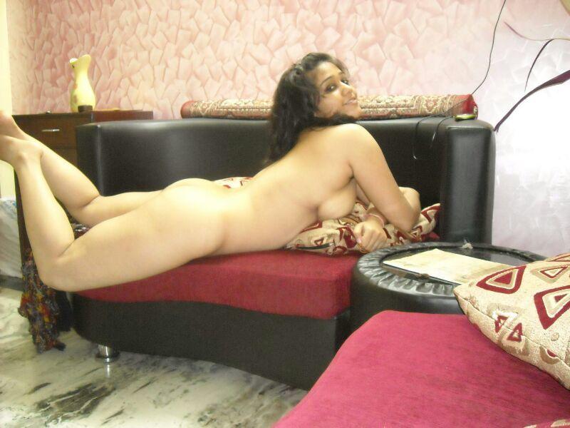 Indian college girl nude - big indian boobs