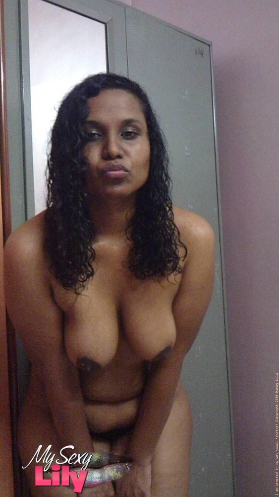 Indian girl boobs naked - Indian sex photos