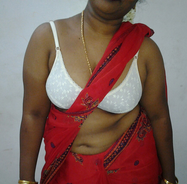 Mature Indian housewife nude pics