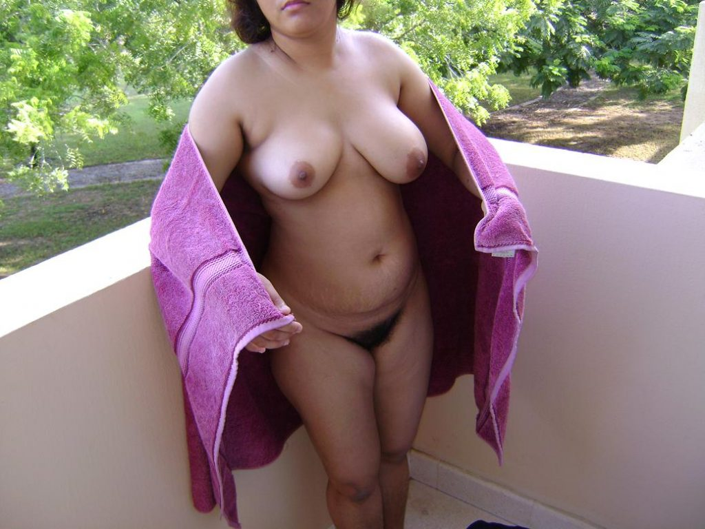 Naked indian woman with Hairy pussy