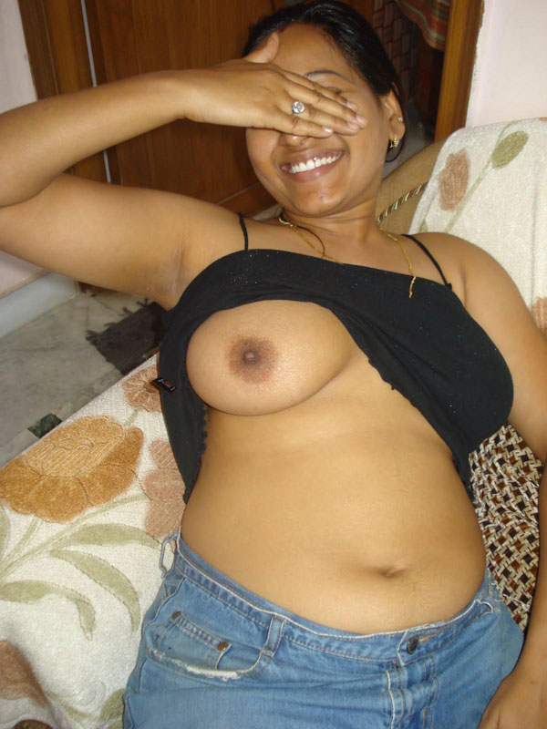 Pretty chubby indian girlfriend naked