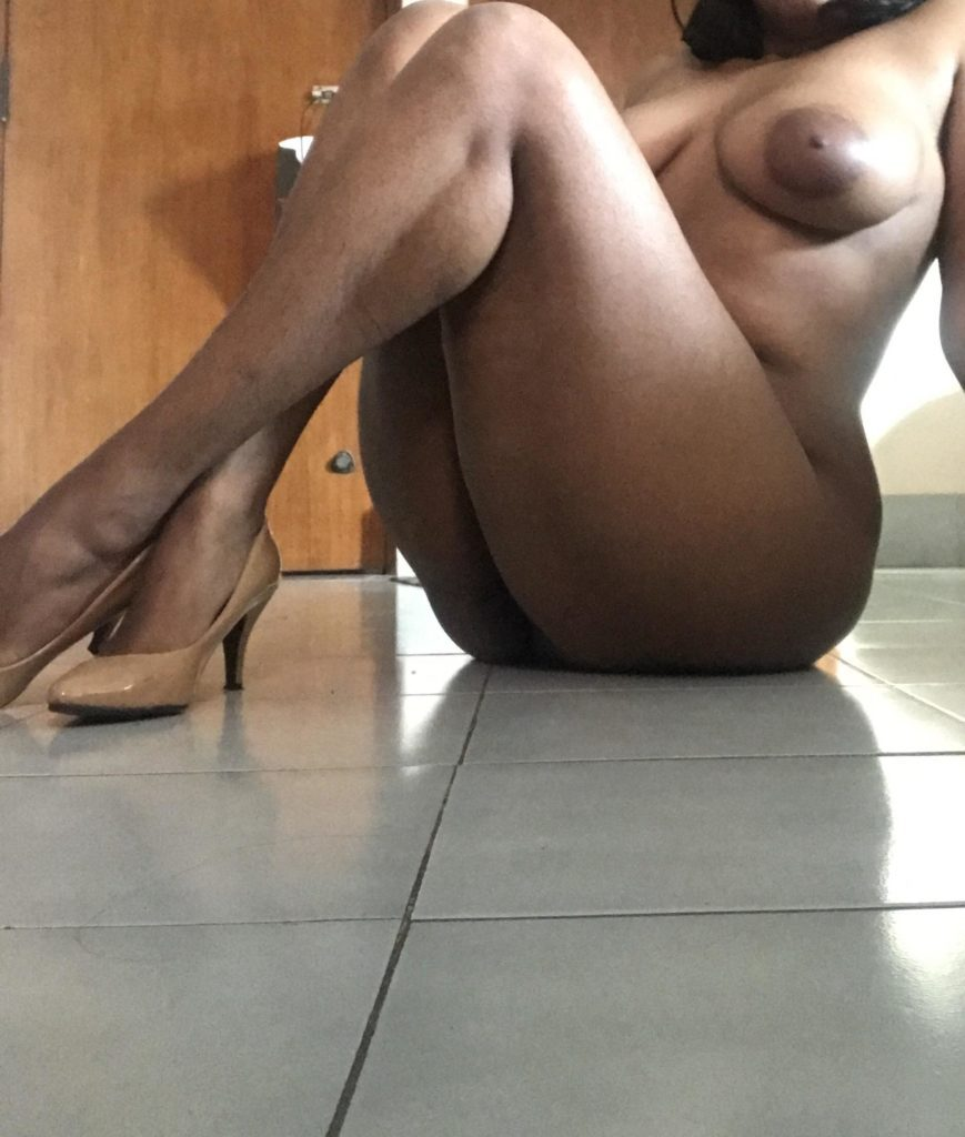 desi girl naked boobs