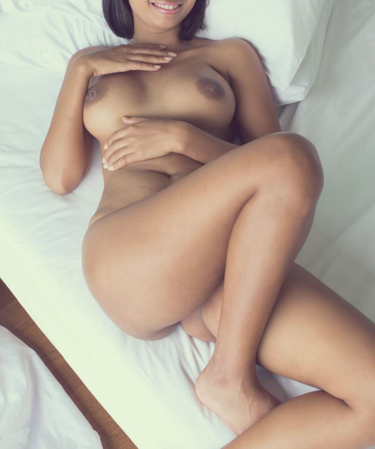 desi girl spreading pussy pics