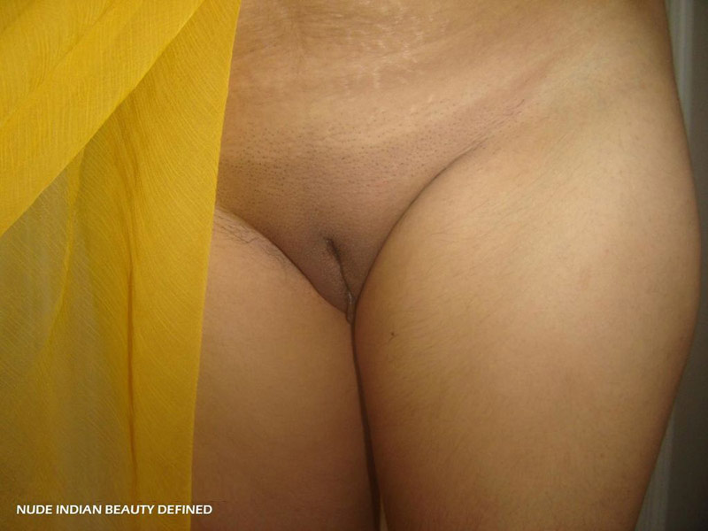 Indian wife showing ass and pussy pics