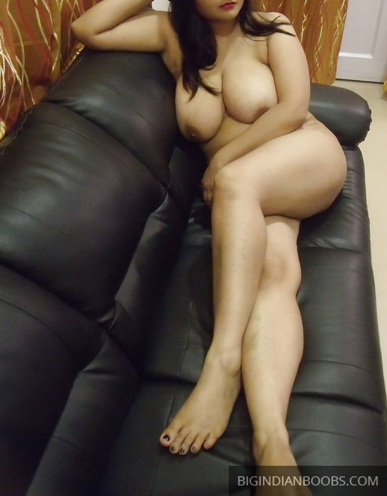 Bengali Divorcee Wife Nude Big Ass and Boobs