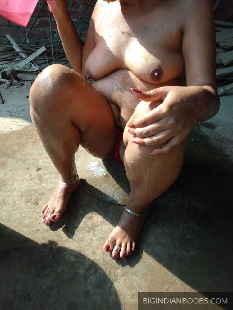Indian Home Made Outdoor Bath photos