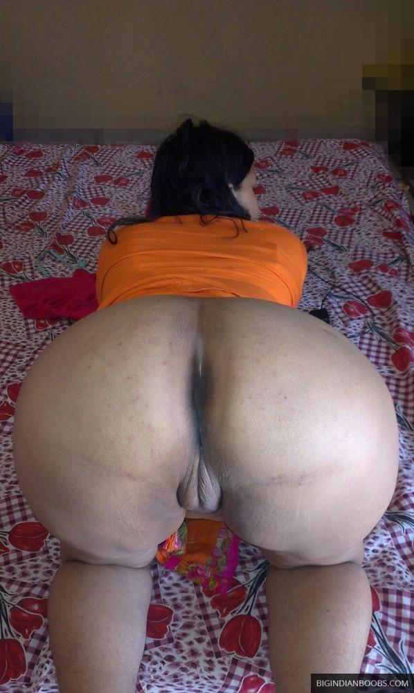 Nangi Bhabhi ke leaked pics