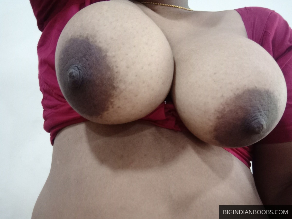 gol boobs aunty ke