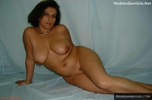 Pakistani aunties big boobs