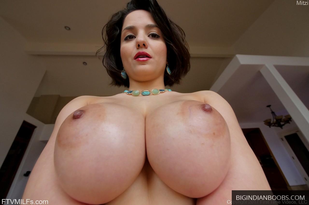 big indian boobs of desi wife
