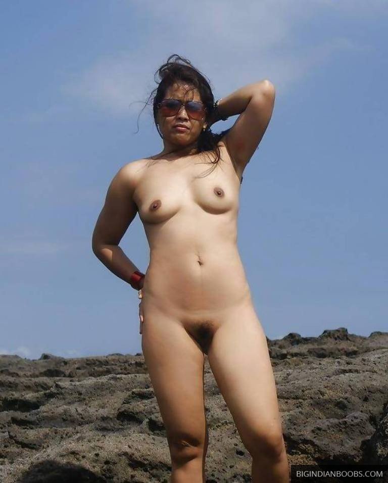 desi girl gets naked on beach