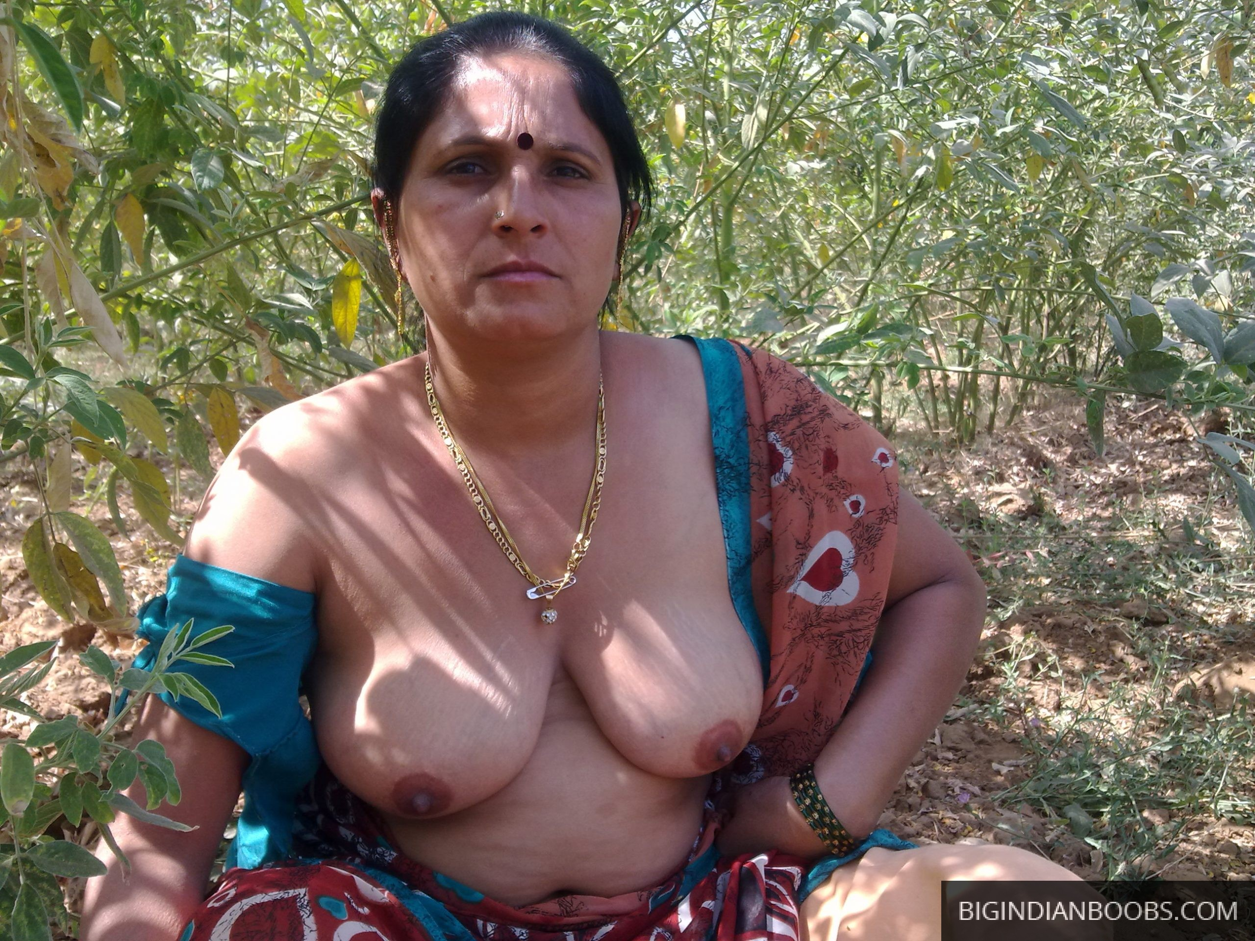 desi wife gets naked outdoor