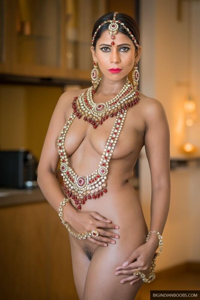 desi model ka nude photoshoot pics