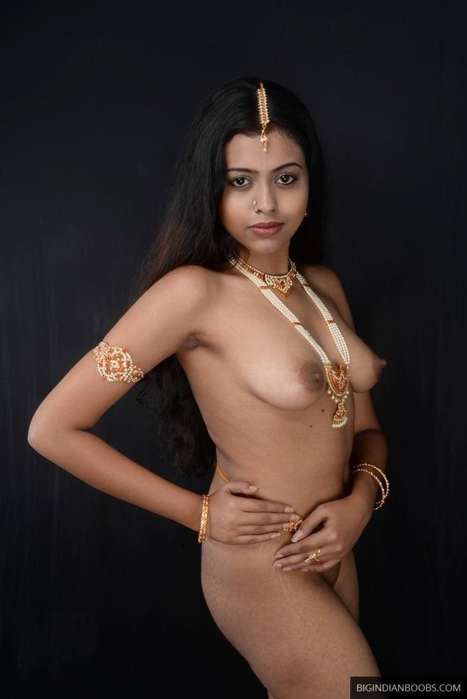 desi small boobs