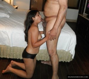 Indian-escort-girl-blowjobsex-pics